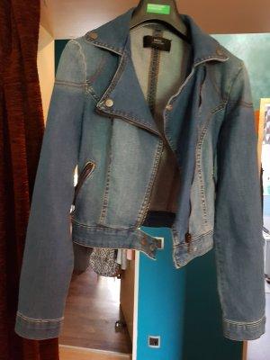 jeansjacke im bikerstil