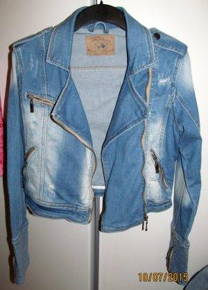 Jeansjacke im Bikerstyle