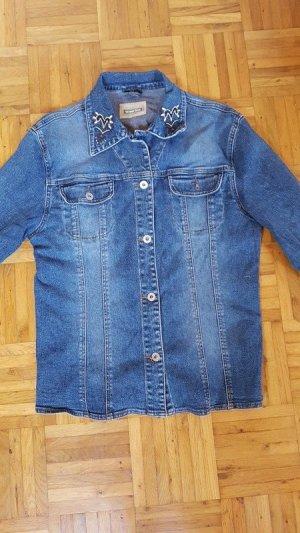 #Jeansjacke im Oversize-Style ihren coolen Look!