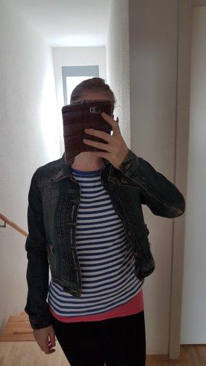 Jeansjacke im Usedlook