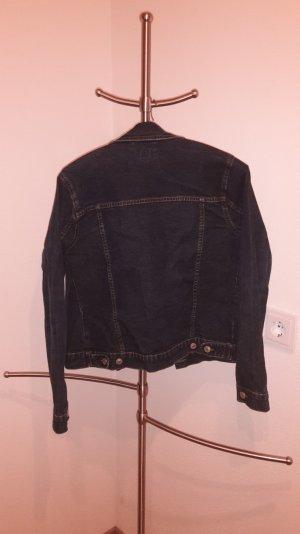 Jeansjacke in der Größe M