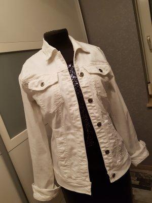 Jeansjacke in weiß mit kleiner Stickerei