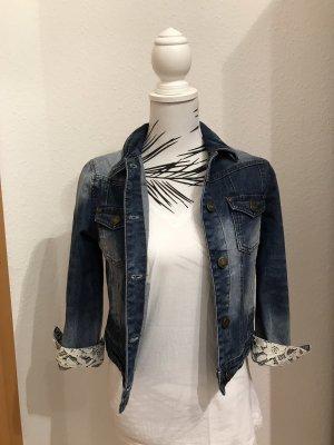 Jeansjacke kurz mit Spitze
