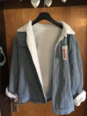 Jeansjacke mit Fell