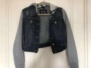 Jeansjacke mit kaputze