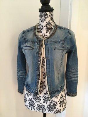 Jeansjacke mit Kettendetail