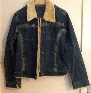 Jeansjacke mit Kunstfellkragen