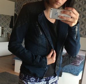 Jeansjacke mit Lederimitat