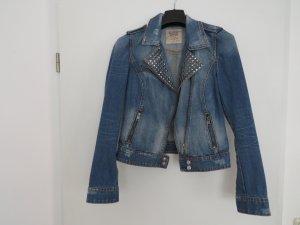 Jeansjacke mit Nietendetails
