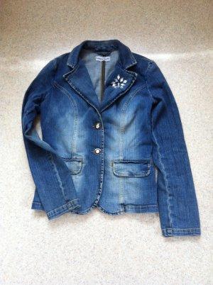 Jeansjacke mit Steinen