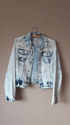 Jeansjacke mit Stickerein