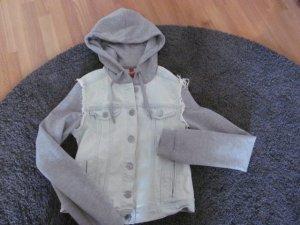 Jeansjacke mit Sweat- kapuze und -ärmeln Gr. 34 H & M
