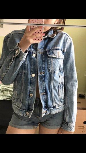 Jeansjacke Oversize von H&M mit Muster