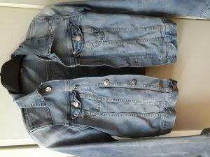 Jeansjacke von H&M, figurbetont und kurz