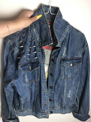 Jeansjacken mit nieten