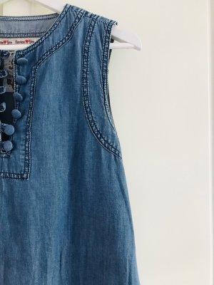 Jeanskleid für jede Jahreszeit