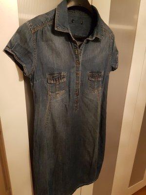 Jeanskleid für schöne Shiloette