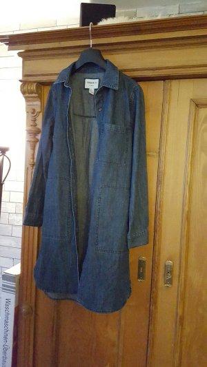 Jeanskleid grade geschnitten
