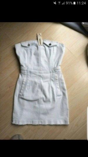 Jeanskleid in hellblaue