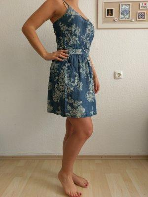Jeanskleid mit Blumenmuster