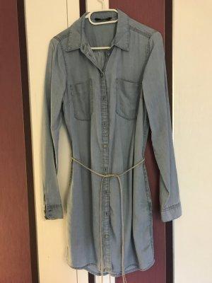 Jeanskleid mit Hüftgürtel