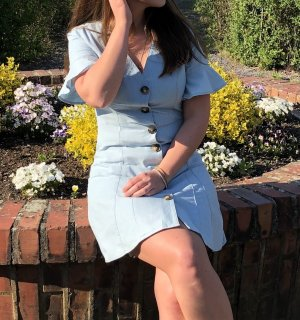 Jeanskleid mit Knöpfen