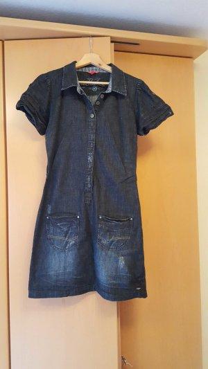 Jeanskleid mit kurzen Ärmeln