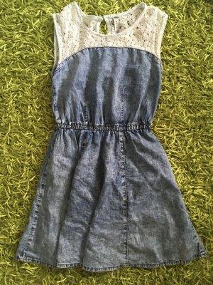Jeanskleidchen mit Spitze