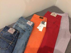 Jeanspaket bestehend aus herrlicher Jeans und Esprit
