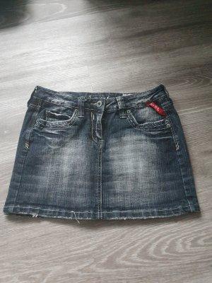 Jeansrock abzugeben
