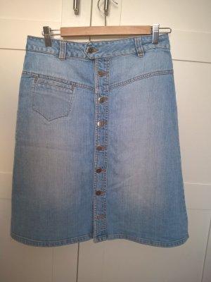 Jeansrock mit durchgängiger Knopfleiste vorne