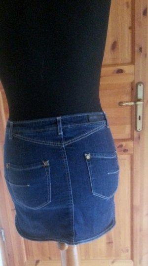 Jeansrock mit durchgehender Knopfleiste