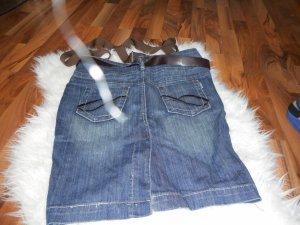 Jeansrock mit Hosenträgern