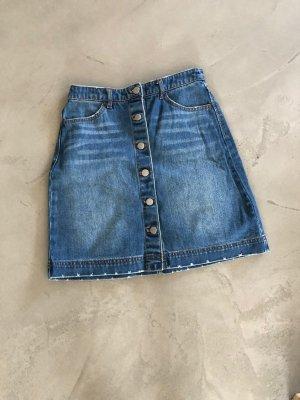 Jeansrock mit Knöpfen / H&M
