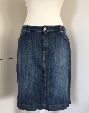 Jeansrock mit leichter Waschung von Gant, kaum getragen (NP 129,00 €)