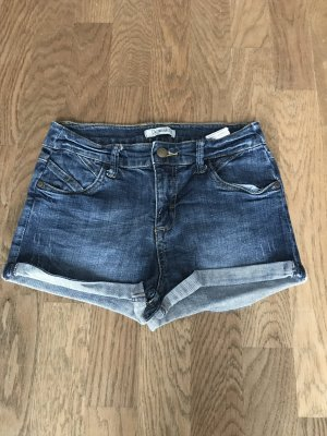 Jeansshort in der Gr. 34