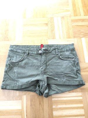 H&M Pantalón corto de tela vaquera caqui-verde oliva