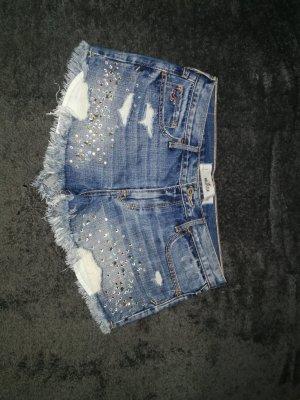 Jeansshort mit Glitzersteinen von der Marke Hollister in der Gr. 29