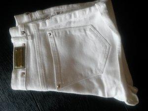 Jeansshort mit goldenen Nieten Zara