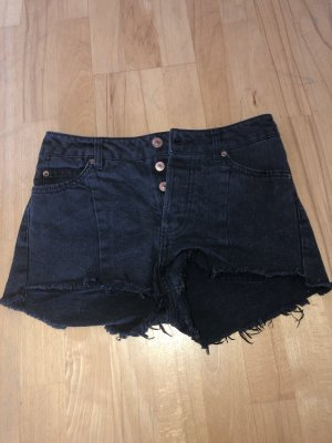 a79738f0e H&M Divided Denim Shorts at reasonable prices | Secondhand | Prelved