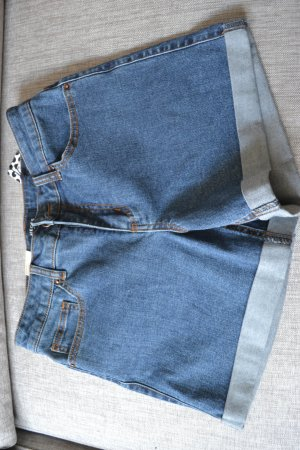 Jeansshorts Gr. M/L von Pieces