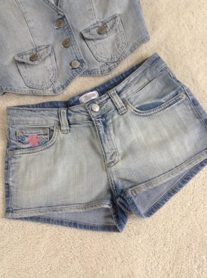 Jeansshorts / helle Waschung / Gr. 34 XS