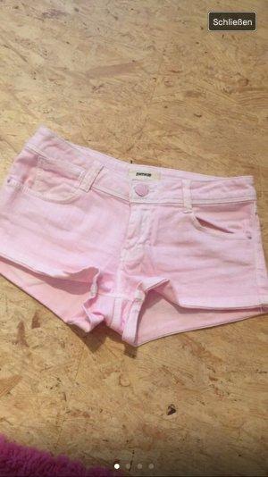 Jeansshorts in einem ausgewaschenem rosa, ungetragen