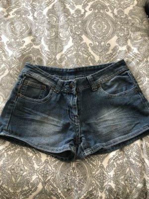 Jeansshorts in Größe 36