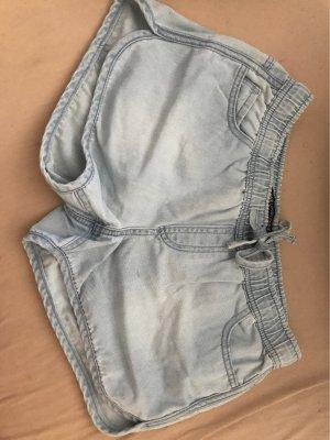 Jeansshorts mit Kordelzug