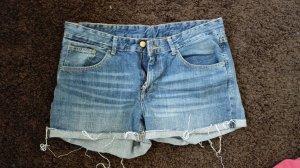 Jeansshorts von H&M im Fransen