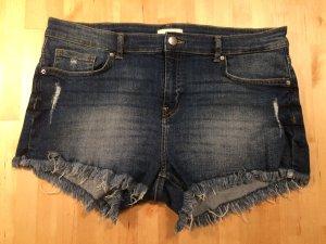 Jeansshorts von H&M in Größe 42.