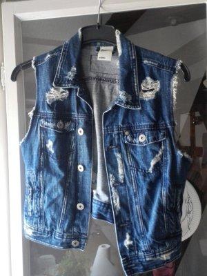 Jeansweste im Usedlook