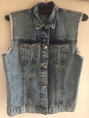 Jeansweste mit Fransen