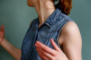 Jeansweste mit Perlmuttknöpfen